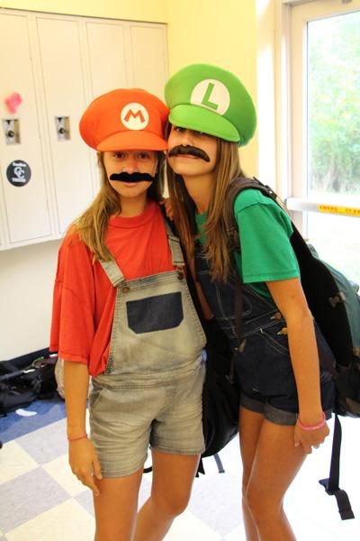 Mario and Luigi hang out in the Freshman cave