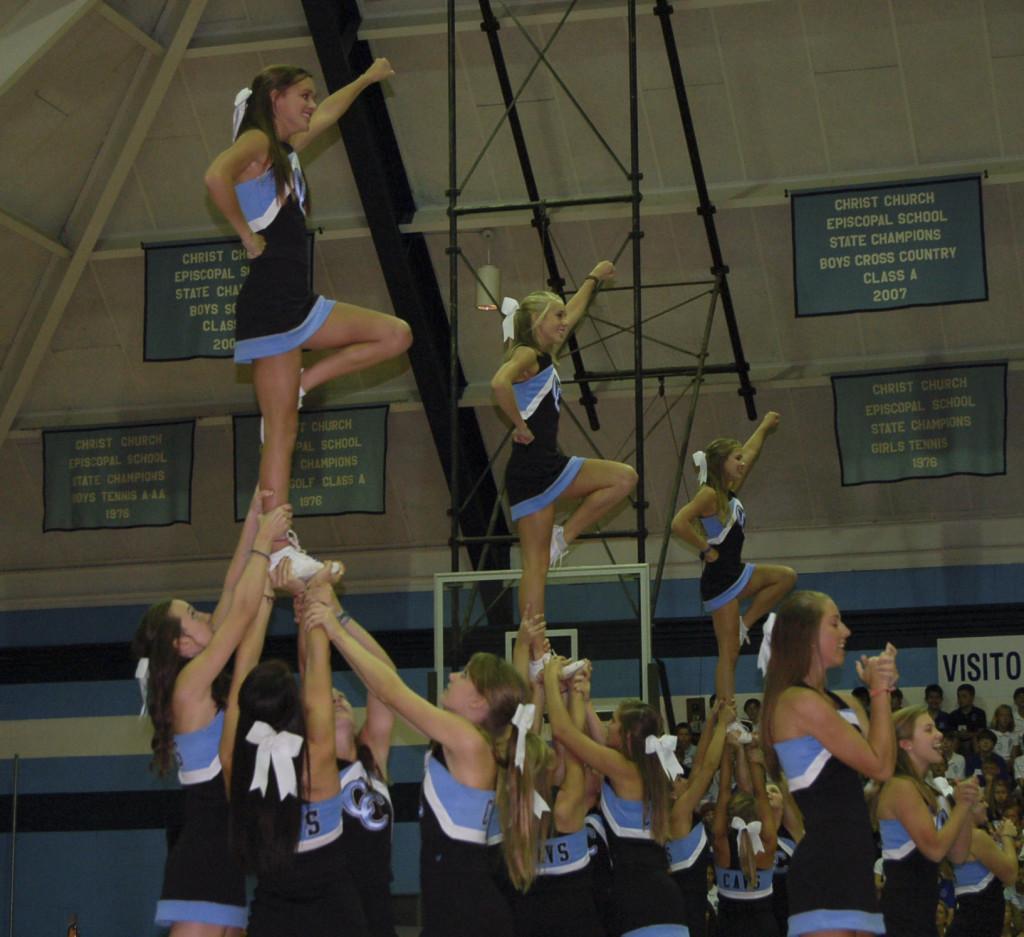Varsity+Cheerleaders+Lead+Successful+Season