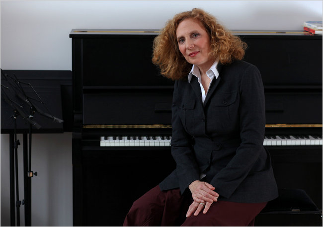 %22Anthracite+Fields%22+--+Julia+Wolfe%0D%0A%28credit%3A+http%3A%2F%2Fwww.musicroom.com%2Fblog%2Fwp-content%2Fuploads%2FJulia-Wolfe.jpg%29