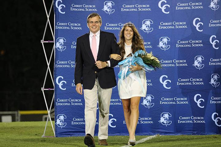 Emma+is+crowned+as+2015+Homecoming+Queen+%28All+photos%3A+Mikaela+Towler%2FStaff+Photo%29.
