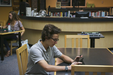 The Christ Church Upper School has begun to use iPads to create a more enriching, more convenient, and more enjoyable learning experience (Newlin Roark/Staff Photo).