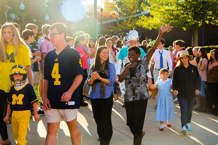 Seniors escorted primers on Halloween in their coordinated costumes.