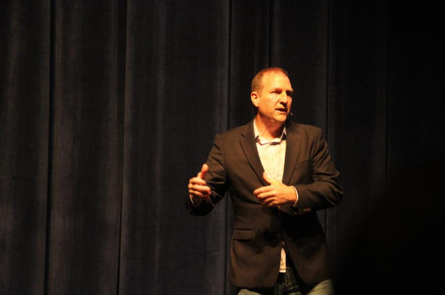 FAVOR+Greenville+CEO+Richard+Jones+speaks+to+Upper+School